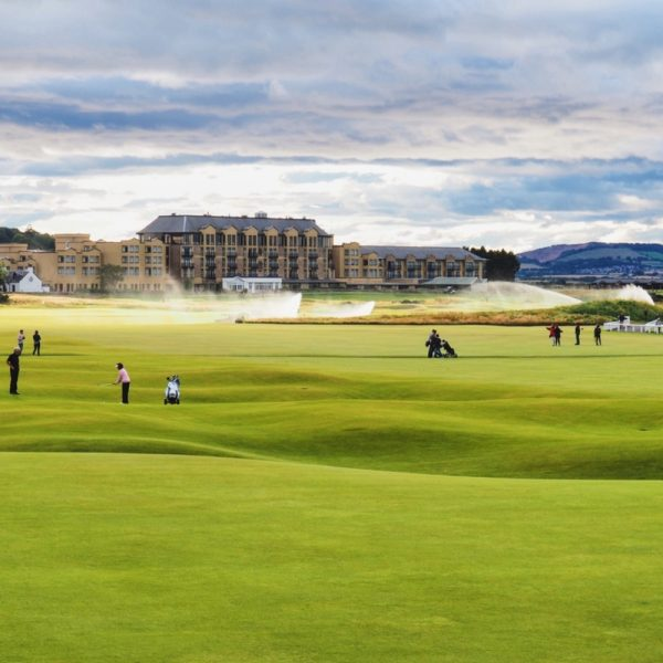 St Andrews Old Course, golf course looking over to the hotel